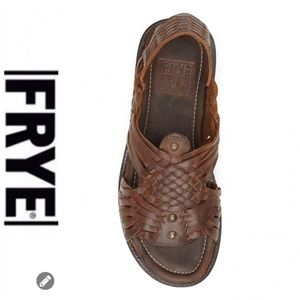 💕SALE💕 Frye Brown Leather Huarche Sandals